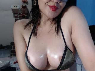 Live Asian QueenSophie